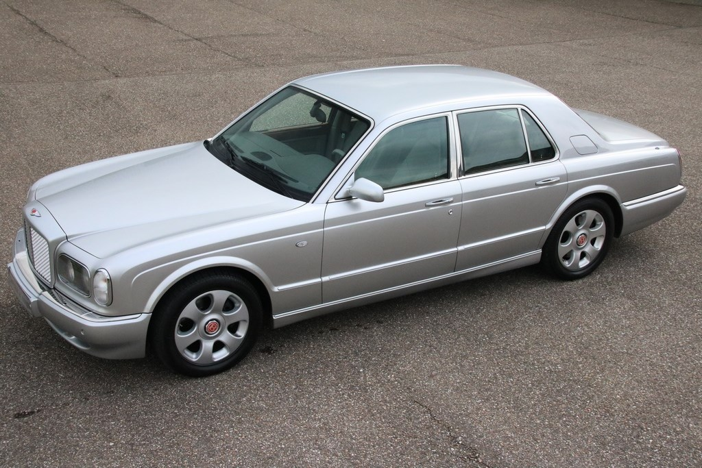 Te koop: Bentley Arnage Red Label '00 83.000km €34.950,-