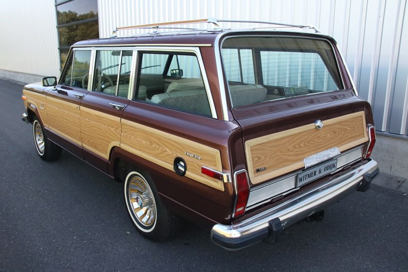Exterieur Jeep Grand Wagoneer '84 €24.950,-