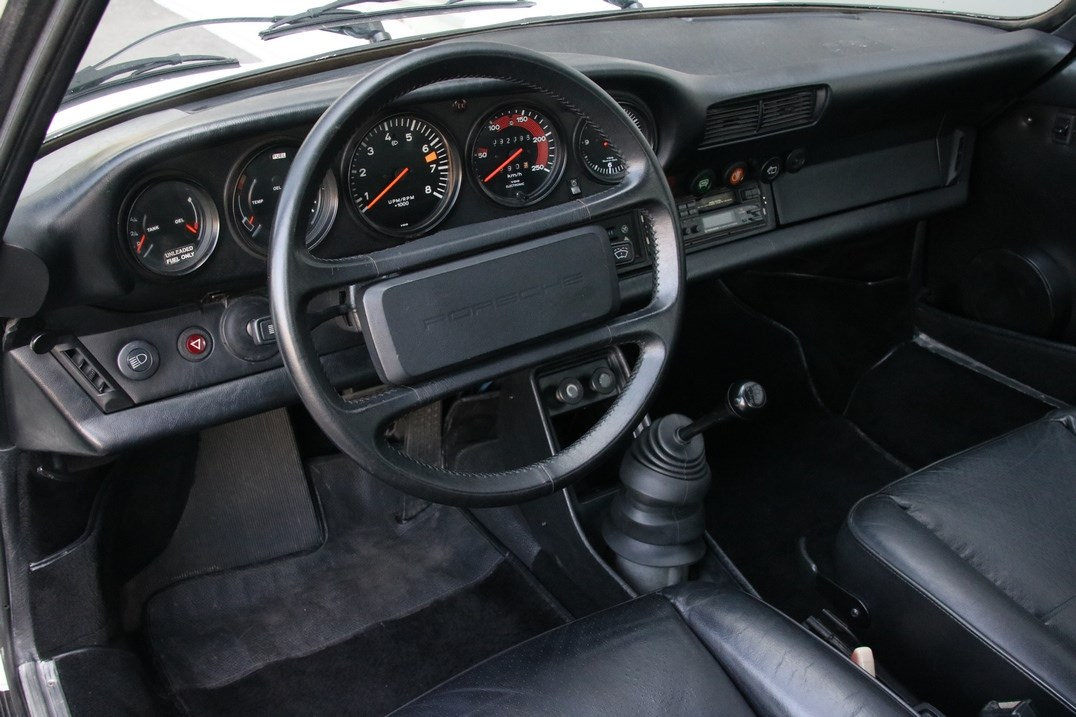 Interieur Porsche 911 SC Coupe Sportomatic '82