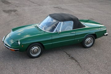 Alfa Romeo Spider 1300 professionally restored '74 €29.950,-