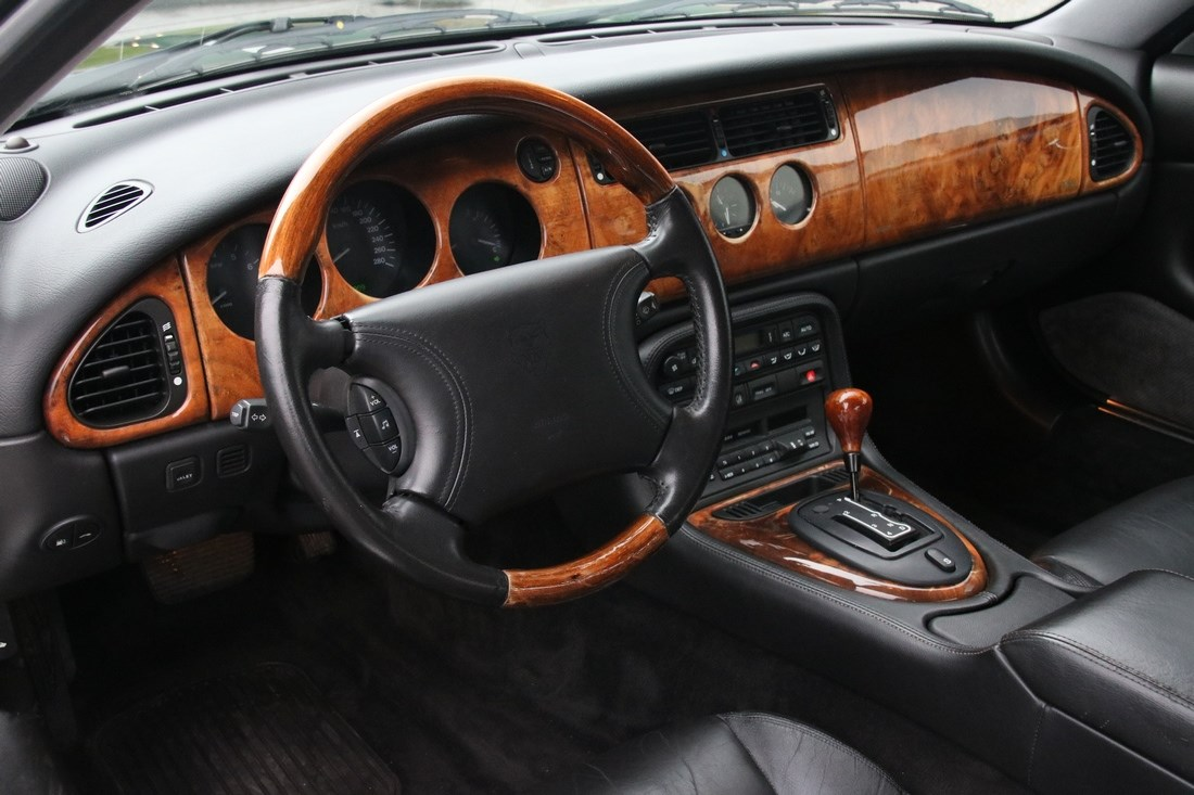 Interieur Jaguar Xk8 Coupe '97 76.000km