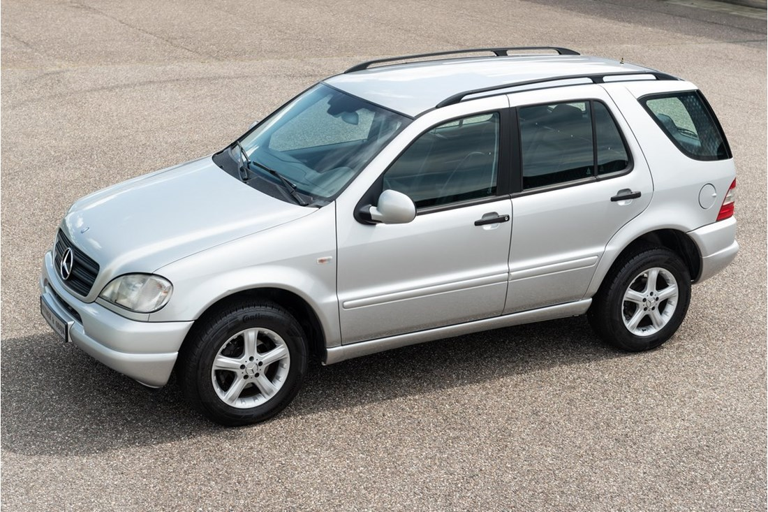 Te koop: Mercedes Benz ML320 '01 118.000km