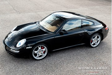 Porsche 997 Carrera 4S Coupe manual