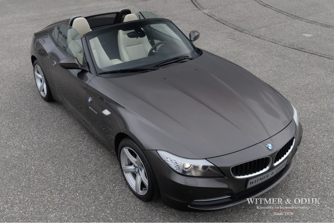 Exterieur BMW Z4 Roadster 2.3i sDrive Manual '09 €18.950,-