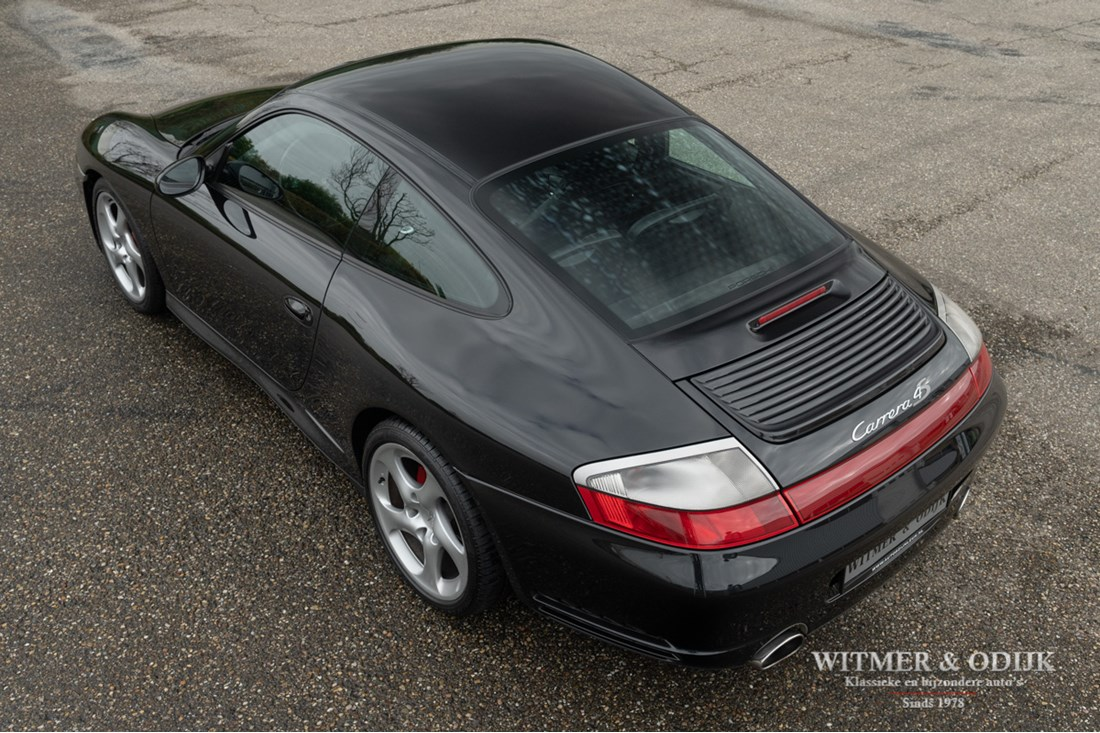 Exterieur Porsche 996 Carrera 4S Coupe Tiptronic '03 gemodificeerd €32.996,-
