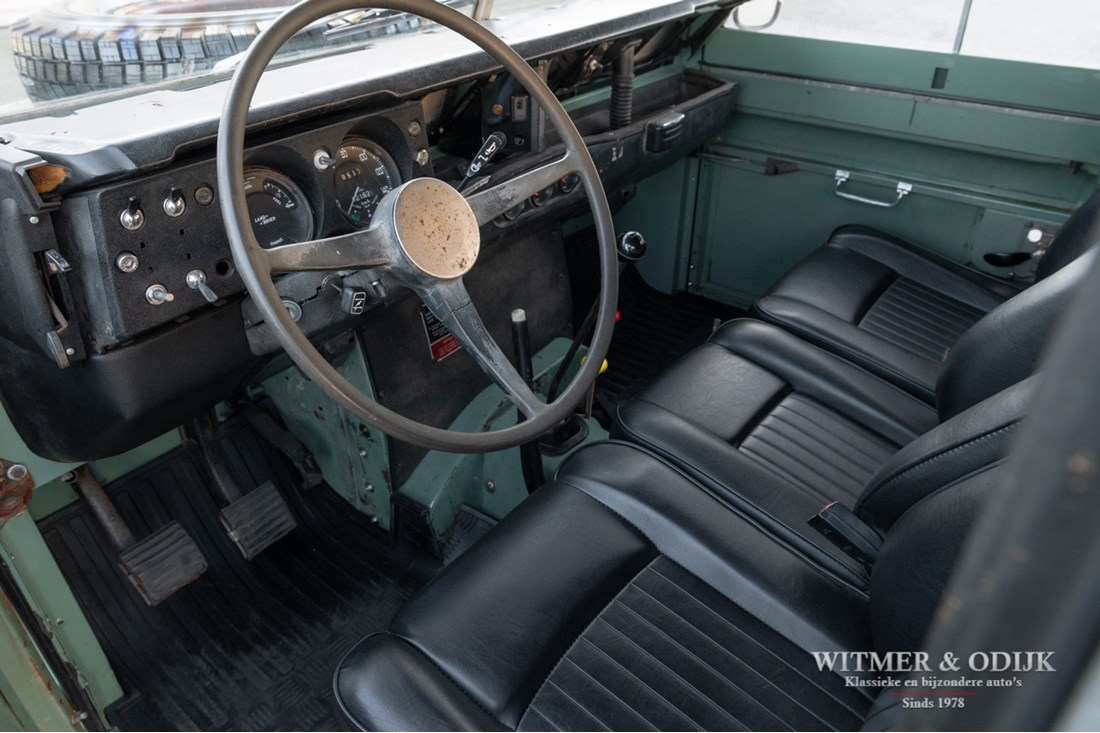 Interieur Land Rover 109 Series III large softtop '78 benzine