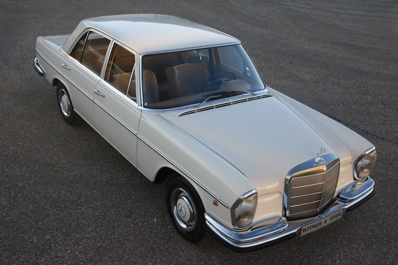 Exterieur Mercedes Benz 250SE Sedan '67 €19.950,-
