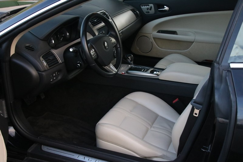Interieur Jaguar XK 4.2 Coupe '08 63.000km €35.950,-