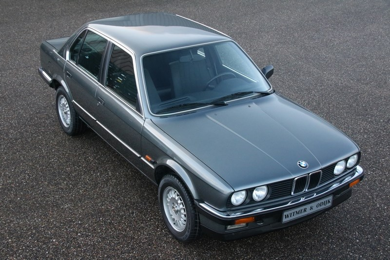 Exterieur BMW 320i Sedan manual '85 77.000km €14.950,-