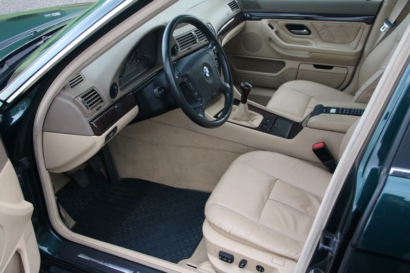 Interieur BMW 735i Manual '98 83.000km €15.950,-